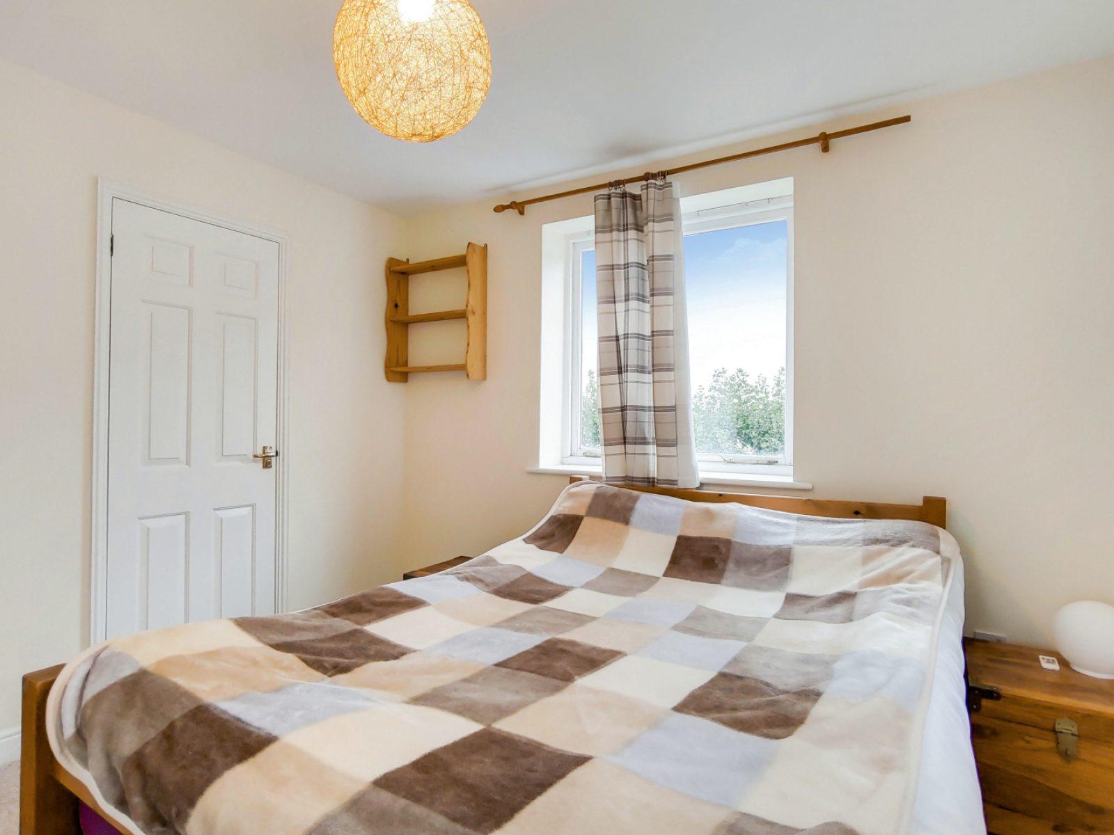 3_Main Bedroom-0