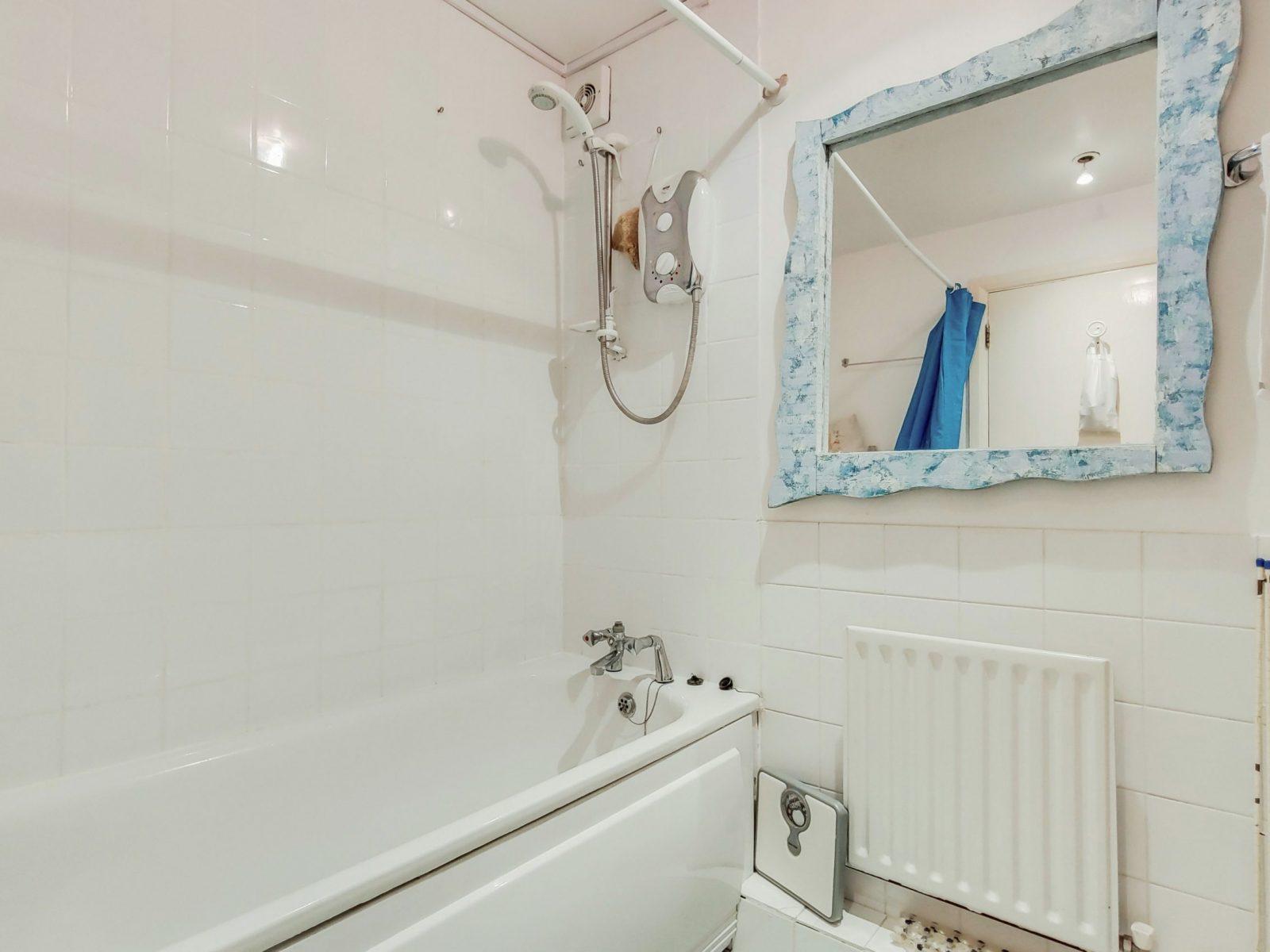 4_Bathroom-3