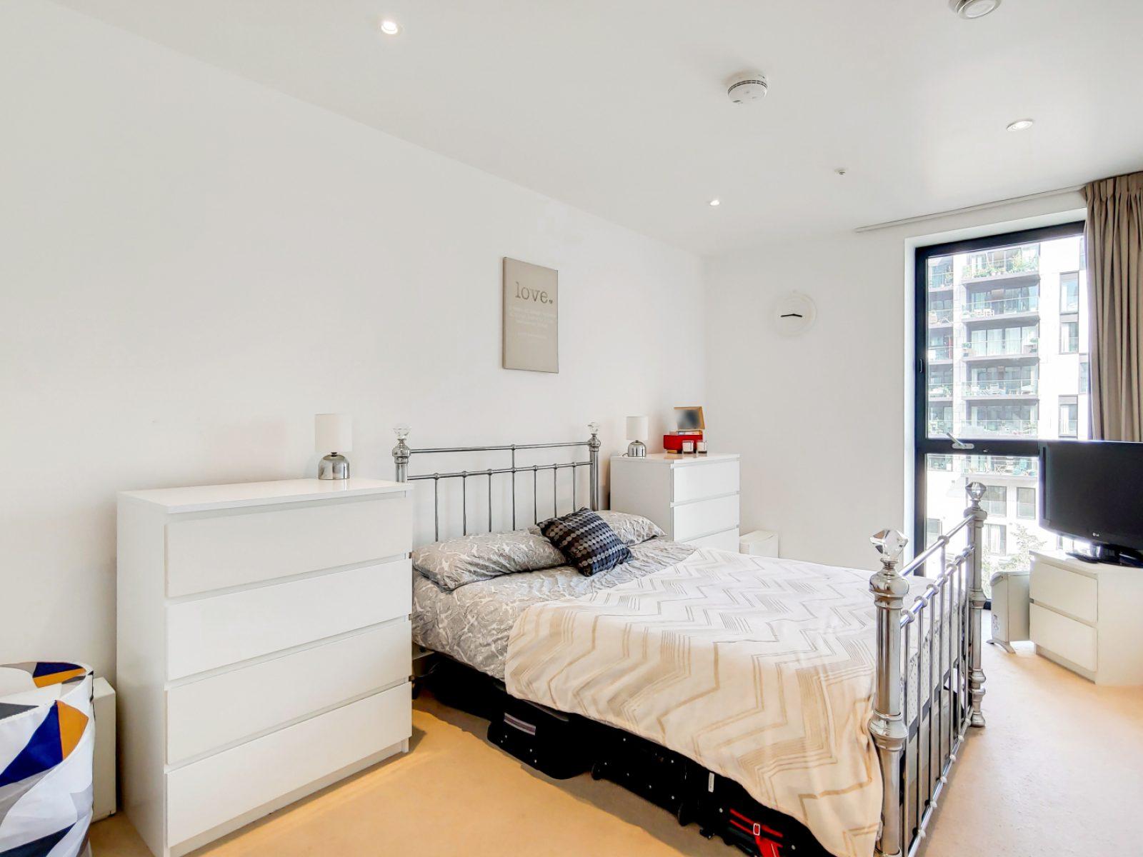 4_Main Bedroom-1