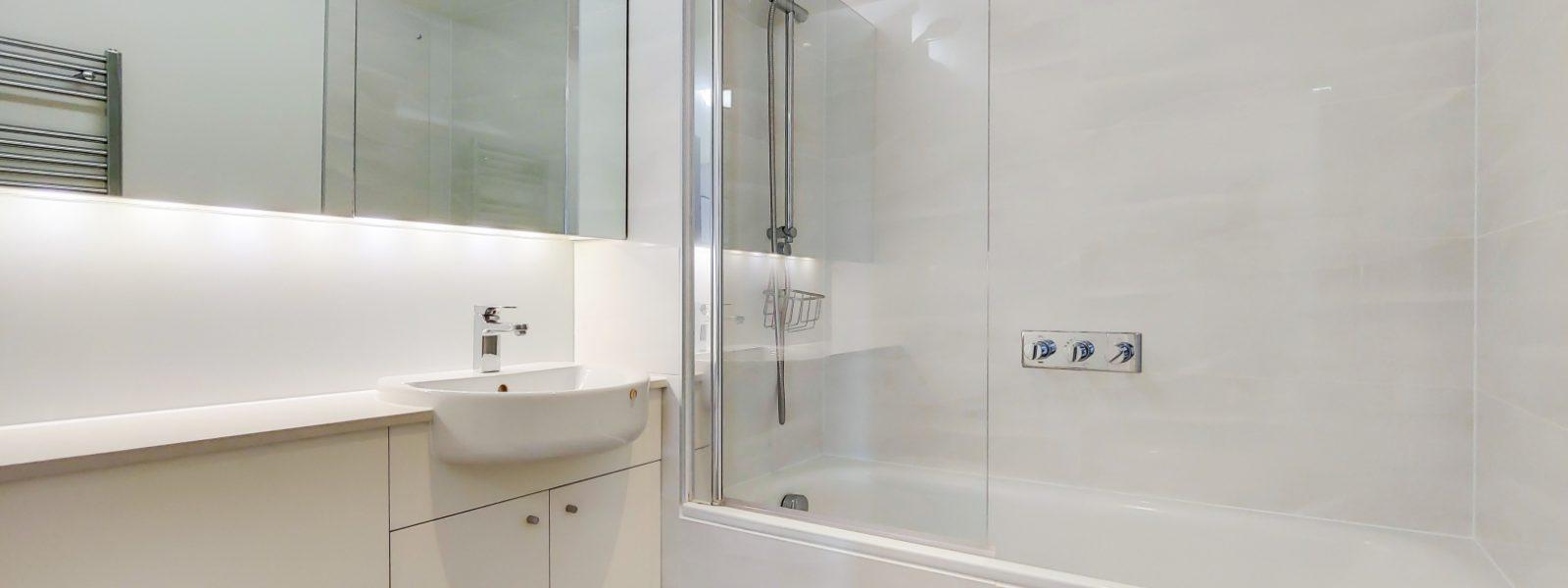 6_Bathroom-1
