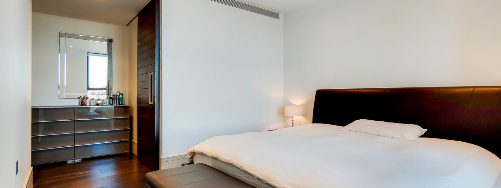 6_Main Bedroom-0