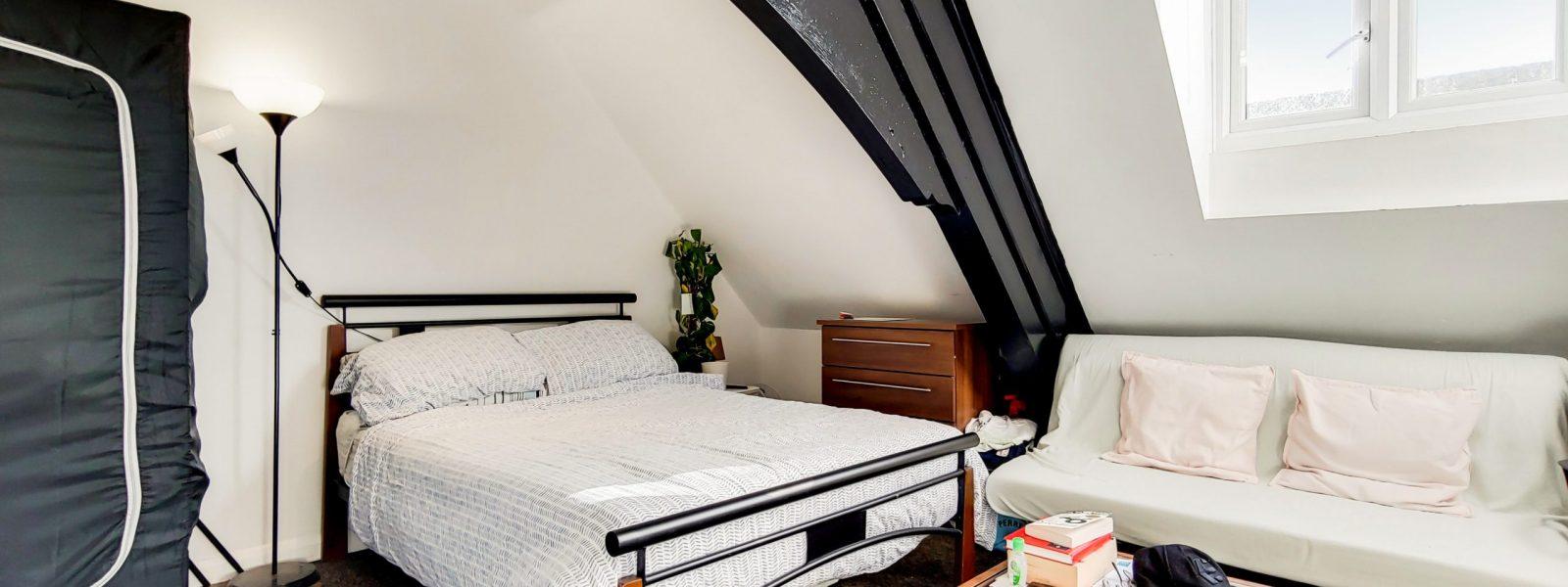 7_Main Bedroom-3