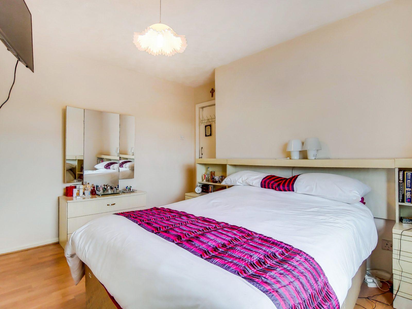 9_Main Bedroom-0